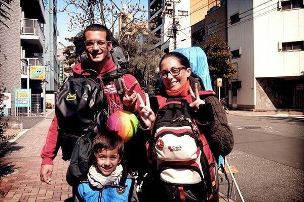 Voyage en famille Basket et sac à dos