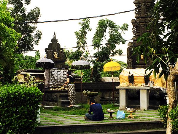 Offrande temple à Bali